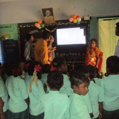 Class 1 Students Sing Along The Screen Song