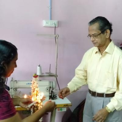 Dpf Parthasarathy Lighting The Kuthu Vilakku To Inaugurate